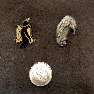 VINTAGE Penguin Pin Backs Souvenirs Bundle (2)